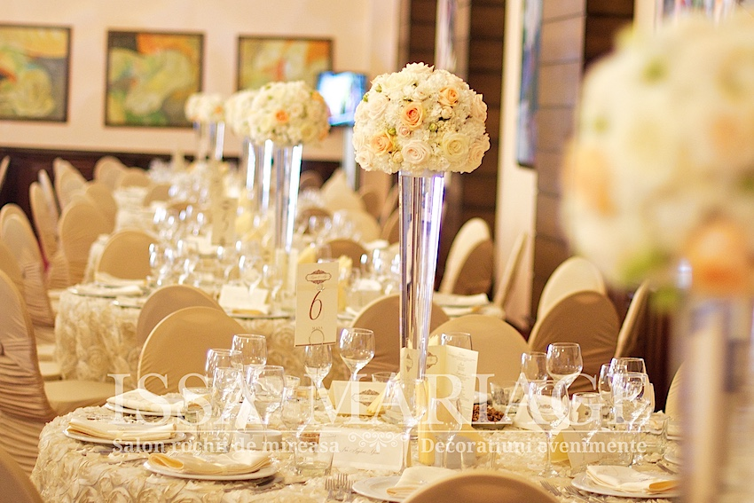 Decoratiuni Nunta Ivory Si Aranjamente Florale Cu Trandafiri Valcea