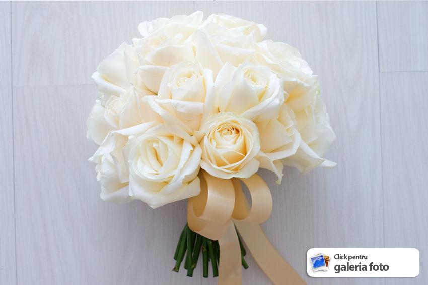Buchet Mireasa Realizat Manual Din Trandafiri Crem De La Issa