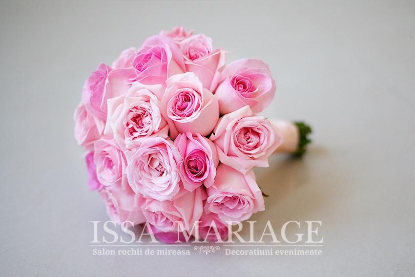 Buchet Domnisoara De Onoare Din Trandafiri Roz